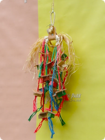Nature line hanging toy leather + sisal