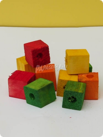 Colorful wooden cubes drilled - 2.3 cm - 10 pieces