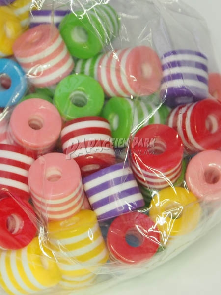 Colorful plastic pearls Ø 1 cm 40 pieces